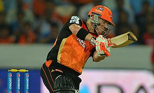 David Warner scored a 52-ball 81 as Sunrisers Hyderabad defeated Kings XI Punjab by five runs.
