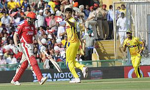 Ashish Nehra (centre) celebrates the wicket of George Bailey (left) as Chennai Super Kings defeated Kings XI Punjab by seven wickets.