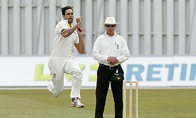 Mitchell Johnson bowls against Kent