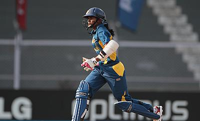 Shashikala Siriwardene makes a run