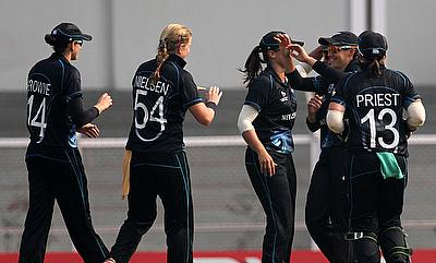 New Zealand beat India Women by three wickets to level their five-match series at 1-1