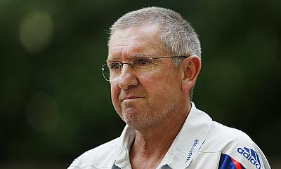Trevor Bayliss urges England to display aggression