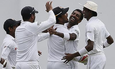 Sri Lanka redeem themselves with ball on day two
