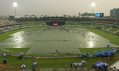Rain-hit Test between Bangladesh and South Africa drifts towards draw