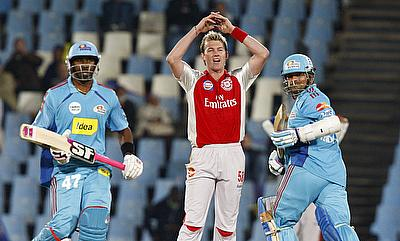 Brett Lee (centre) during his time with Kings XI Punjab