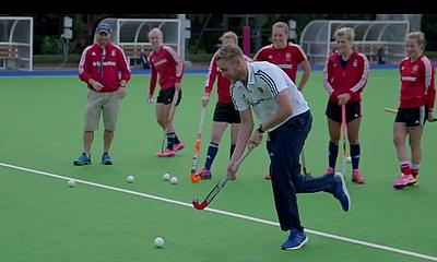 Stuart Broad has a go at hockey with England Women
