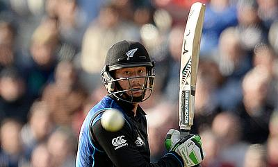 Martin Guptill scored an unbeaten century to guide New Zealand to victory