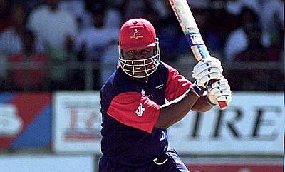 Desmond Haynes in action