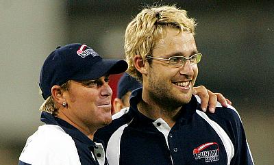 Daniel Vettori (right) and Shane Warne