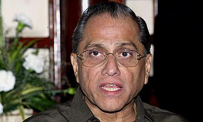 BCCI president Jagmohan Dalmiya rushed to hospital with chest pain