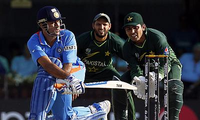 Shahid Afridi (centre), sees no reason to push for a series against India, if their Asian neighbours display no interest to revive the cricketing ties