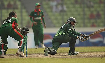 Bismah Maroof sweeps