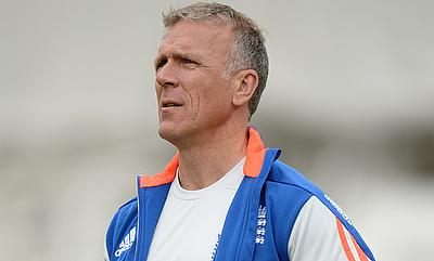Pakistan series will be tough for England - Alec Stewart