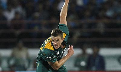 De Kock, Morkel flatten India as South Africa seize lead