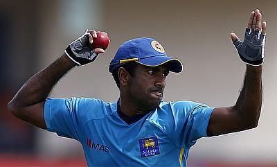 Injured Dhammika Prasad replaced by Vishwa Fernando
