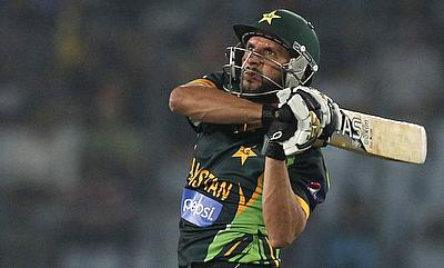 All-round Pakistan thump New Zealand by 16 runs in Amir's comeback game