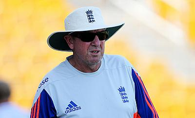 Trevor Bayliss challenges England to win 3-0