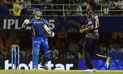 Watson, Yuvraj attract huge bids in IPL auction