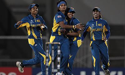Sri Lankan players celebrate a wicket