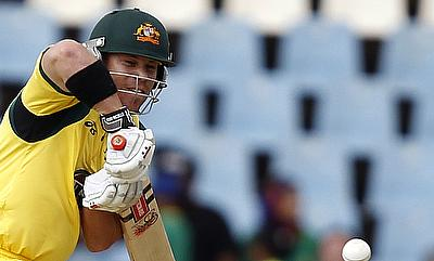 Australia level the series in thrilling last-ball finish after Maxwell, Warner blitz