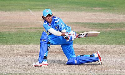 Harmanpreet Kaur was named the player of the match for his 29-ball 40.