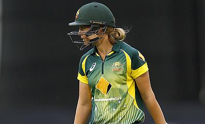 Meg Lanning, Elyse Villani power Australia to a crucial win