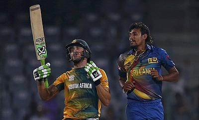 Faf du Plessis fined for showing dissent