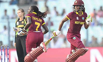 Stafanie Taylor and Hayley Matthews make a run during their partnership