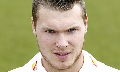 Tom Wells scored an unbeaten 53 for Leicestershire.
