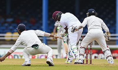 Darren Bravo (centre) had another failure in the Test series.