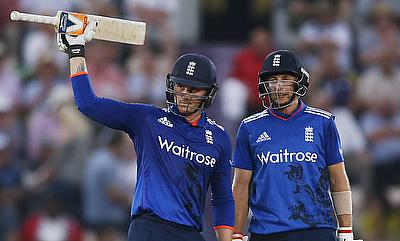 Both Jason Roy (left) and Joe Root (right) added 89 runs for the second wicket.