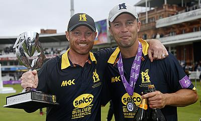 Ian Bell (left) and Jonathan Trott (right) celebrating Royal London One-Day Cup victory.