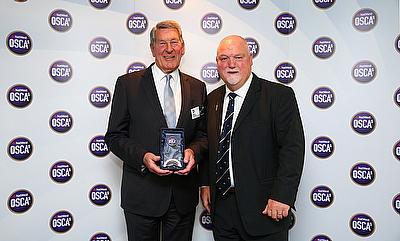 Mike Gatting presenting the Lifetime Achiever Award to David Bowden