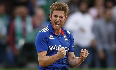 Liam Dawson extends Hampshire contract