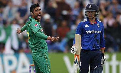 Essex sign Pakistan speedster Mohammad Amir