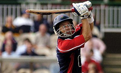 Brad Hodge scored 36 runs for Adelaide Strikers opening the innings