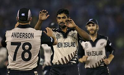 Ish Sodhi (centre) recently picked a six-wicket haul in Big Bash League