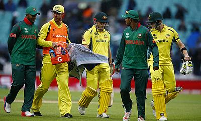 Australia-Bangladesh players walking off after rain stopped play