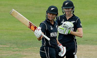 Suzie Bates (left) scored unbeaten 65