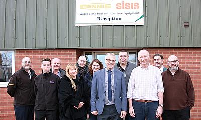 UK Turf and Ground Care trade press visit Dennis and SISIS