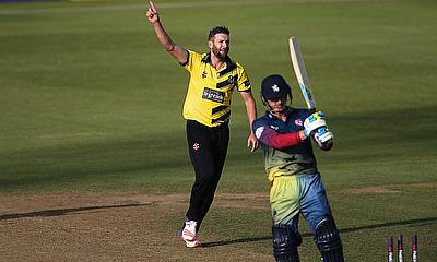 Andrew Tye celebrating