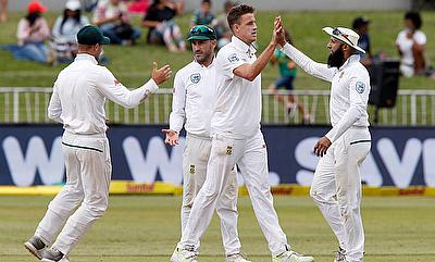 Morne Morkel (centre) picked three wickets late in the day