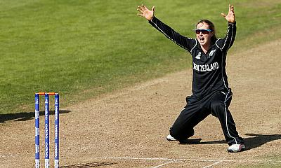 Anna Peterson bowled a stunning final over