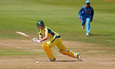 Meg Lanning scored an unbeaten 35 in the chase