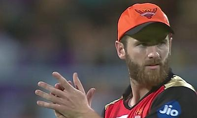 Shakib's all-round effort takes SRH to a comfortable victory over KKR