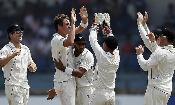 New Zealand Win Despite Mathews Defiance