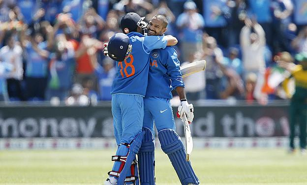 Virat Kohli and Shikhar Dhawan embrace