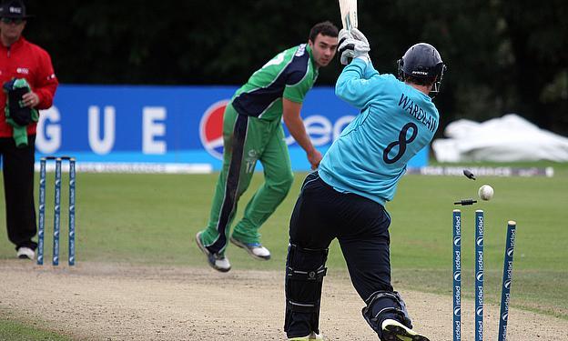 Iain Wardlaw bowled by Stuart Thompson