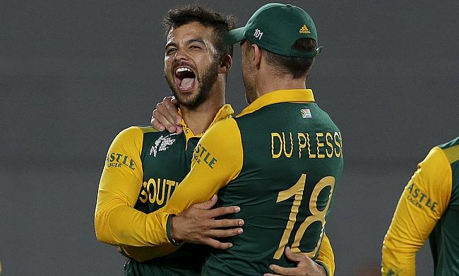 Faf du Plessis (72 no) and Jean-Paul Duminy (2-11) played pivotal roles in South Africa's victory over Bangladesh in Mirpur.