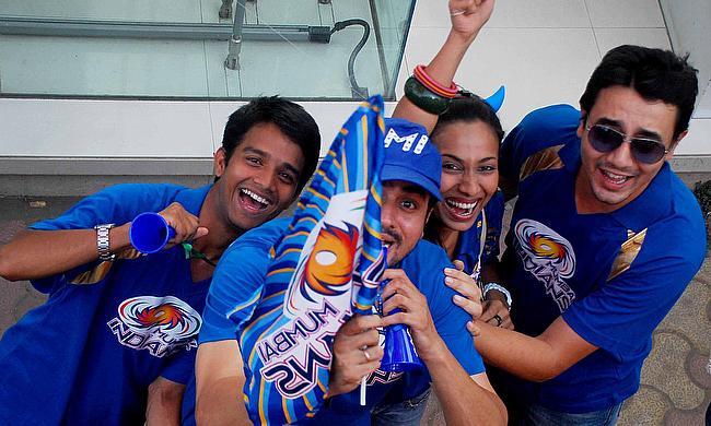 Mumbai Indians fans